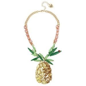 Betray Johnson pineapples 🍍 necklace